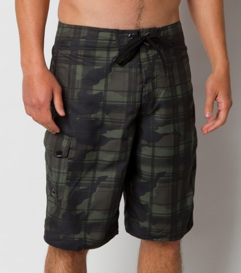 Surf O'Neill Santa Cruz Plaid 2 boardshort with light ultrasuede; 22'' outseam features all-over printed plaid boardshort with comfort fly closure;  embroidered and screened logos. - $25.99