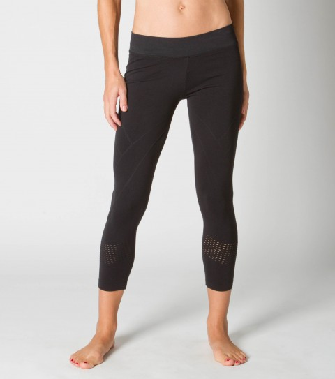 "Surf O'Neill 365 Ohm Seamless Legging.  Wicking technology pulls moisture from your skin; keeping you more comfortable and dry.  Fitted; seamless legging; textural details; 22"" Inseam.  92% Nylon / 8% Spandex. As Seen In People Style Watch Magazine March 2012 Issue!! - $54.99"