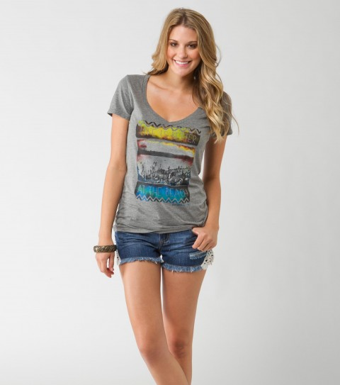 Surf O'Neill Beach Life Tee.  60% Cotton / 40% Polyester.  Heather slim V. - $26.00