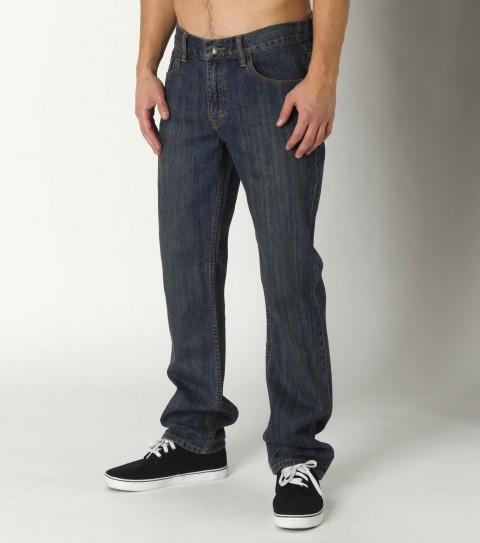 Surf O'Neill Sonoma Jeans made from 100% cotton 11 oz denim. Straight fit: 16.5'' knee; 16'' leg opening; classic-straight leg. Top-stitched back pockets; interior stitch detail; logo labels and hardware.**Note:  Sizes read inseam - waist - $29.99