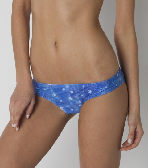 Fitness The O'Neill Americana Cinched Basic Bottom is part II of one of O'Neill's best selling suits!  Featured in magazines galore... this swim bottom embodies America with the blue background and white stars. - $9.99