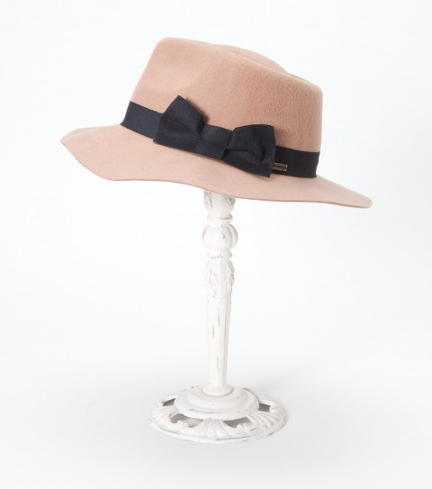 Surf The O'Neill Katherine wool felt wide brim fedora has contrast grosgrain ribbon band and bow. - $21.99