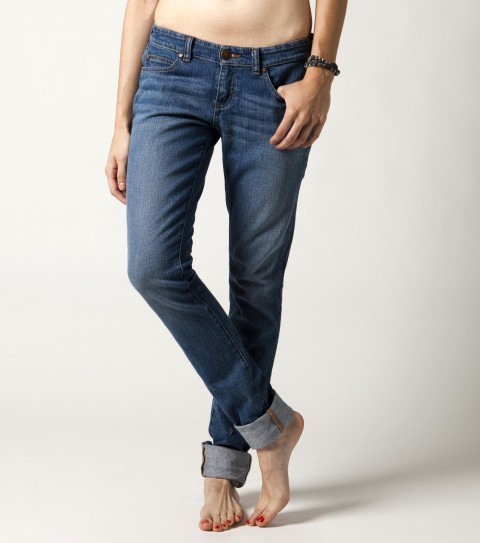 Surf The O'Neill London jeans are made of 98% cotton and 2% spandex stretch denim. 32'' inseam; vintage wash with logo rivets; logo buttons and logo embroidery. - $41.99