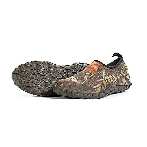 Camp and Hike On Sale. Free Shipping. Bogs Men's Valley Walker Shoe DECENT FEATURES of the Bogs Men's Valley Walker Shoe 100% Waterproof Durable hand-lasted rubber and a four way stretch inner bootie Constructed with 5mm waterproof Neo-Tech Classic Mossy Oak patterned overlay Non-slip, non-marking and self-cleaning outsole Aegis antimicrobial odor protection insole with scent elimination Comfort rated from temperate to cold conditions This product can only be shipped within the United States. Please don't hate us. - $54.99
