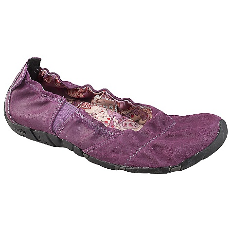 Skateboard Free Shipping. Cushe Women's Koa Suede Shoe DECENT FEATURES of the Cushe Women's Koa Suede Shoe Posture: Zero Degree Pitch Antimicrobial Footbed to help you stand up straight and keep your kicks smelling fresh Comfort: Double gusseted foot opening providing secure comfort and support Collapsible: Collapsible deconstructed canvas upper for more casual, laidback Cushe styling Support: Sculptured Wave Sidewall Profile merging external design feature with important internal arch support and added Cushe comfort Design: Unique Manuka 'Honeycomb' Outsole design Breathability: Fine Canvas Lining offering additional breathability and cooling The SPECS Upper Material: Premium waxed suede Lining: Breathable canvas In-Sock: Moulded EVA with moulded foot cushioning Outsole: Moulded rubber with unique in.Leafin. design - $79.95