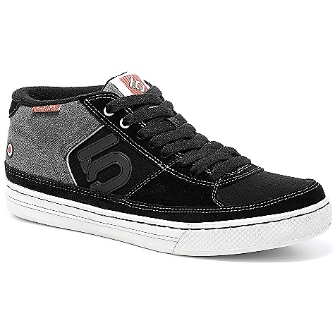 Skateboard On Sale. Free Shipping. Five Ten Men's Spitfire Shoe The SPECS Upper: Nubuck, Split Grain Leather Closure: Lace Outsole: Stealth S1 - $75.99