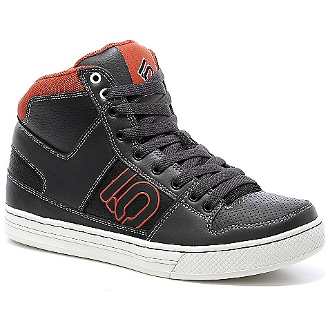 Skateboard On Sale. Free Shipping. Five Ten Men's Lineking Shoe The SPECS Upper: Action Leather Closure: Lace Outsole: Stealth Phantom White - $89.99