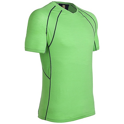 Free Shipping. Icebreaker Men's SS Quest Crewe Shirt DECENT FEATURES of the Icebreaker Men's Short Sleeve Quest Crewe Shirt The workout crew as agile as you GT 150 Fast drying and odour resistant MP3 tunes via cord loophole Eyelet panels Increase venting Back stash pocket for keys/gels - $79.95