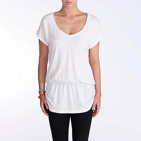 On Sale. Free Shipping. Lole Women's Syrah Tunic DECENT FEATURES of the Lole Women's Syrah Tunic Short sleeve tunic Gathers at front and shoulders Tunnel at sides for adjustment Length: 31in. / 79 cm - $37.99