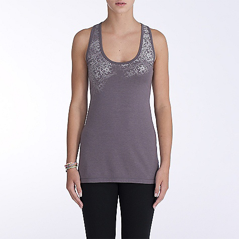 Surf On Sale. Free Shipping. Lole Women's Focus Camisole DECENT FEATURES of the Lole Women's Focus Camisole Racer back tank top with no side seams Flat seams for comfort Print at front Reflective logo Length: 28in. / 71 cm - $29.99