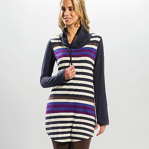 Free Shipping. Lole Women's Principle Tunic DECENT FEATURES of the Lole Women's Principle Tunic Long sleeve tunic Wide open collar with tunnel for adjustment Shirttail Length: 31in. / 79 cm - $59.95