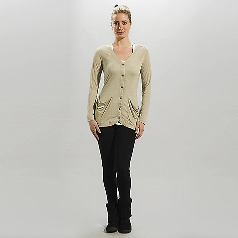 Free Shipping. Lole Women's Traverse DECENT FEATURES of the Lole Women's Traverse Long sleeve cardigan Button front opening V neckline 2 wide patch pockets Length: 30in. / 75 cm - $69.95