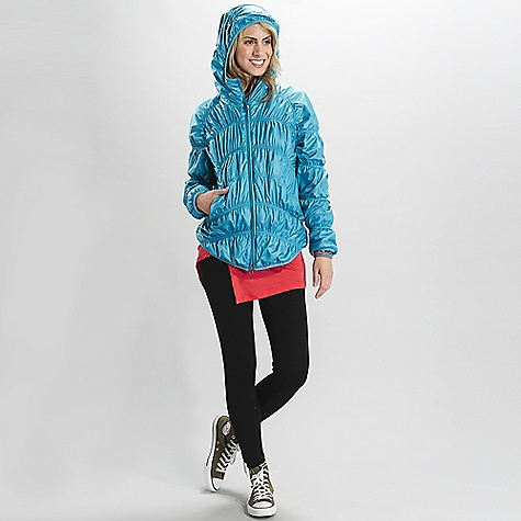 Free Shipping. Lole Women's Nahla DECENT FEATURES of the Lole Women's Nahla Quilted jacket with center front zip Attached hood with lycra binding finish 2 hand zip pockets Lycra binding finish at hem and sleeve opening 'Fuzzyin. lining Length: 27in. / 70 cm - $179.95