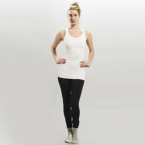 Fitness Free Shipping. Lole Women's Curl DECENT FEATURES of the Lole Women's Silhouette Up Tank top with scooped neckline Integrated inner bra with medium impact and side opening for soft cups MP3 pocket at back Flat seams for comfort Reflective logo Length: 27in. / 68.5 cm - $51.95