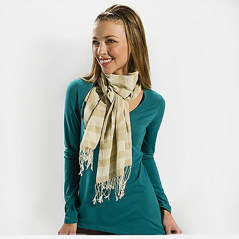 Lole Women's Alisha DECENT FEATURES of the Lole Women's Alisha Long logo scarf is the perfect finishing touch Unique Lole print Fringed edge - $40.00