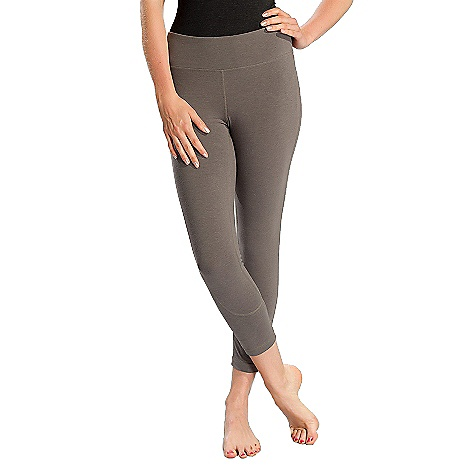 Free Shipping. Lole Women's Vinyasa Capri DECENT FEATURES of the Lole Women's Vinyasa Capri Capri with secret pocket at waistband Lined gusset at crotch Flat seams for comfort Reflective logo Shaped fit with mid rise Inseam: 24in. / 61 cm - $69.95