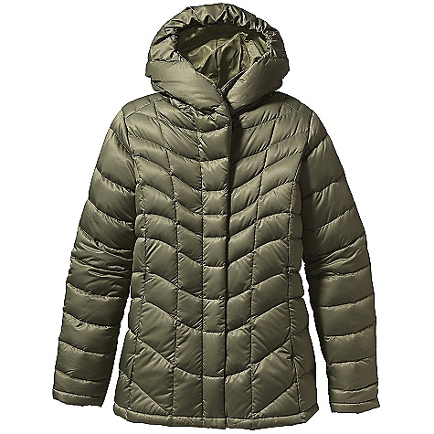 On Sale. Free Shipping. Patagonia Women's Downtown Loft Jacket DECENT FEATURES of the Patagonia Women's Downtown Loft Jacket Satin polyester shell with elegant contoured quilting and 800-fill-power premium European goose down Articulated hood stealthily stows into a shawl collar 2-way front zipper with wind flap On-seam, zippered handwarmer pockets Interior zippered chest pocket Hip length The SPECS Slim fit Weight: 25.2 oz / 714 g 2.8 oz 100% polyester with a Deluge DWR (durable water repellent) finish Insulation: 800-fill-power premium European goose down This product can only be shipped within the United States. Please don't hate us. - $194.99