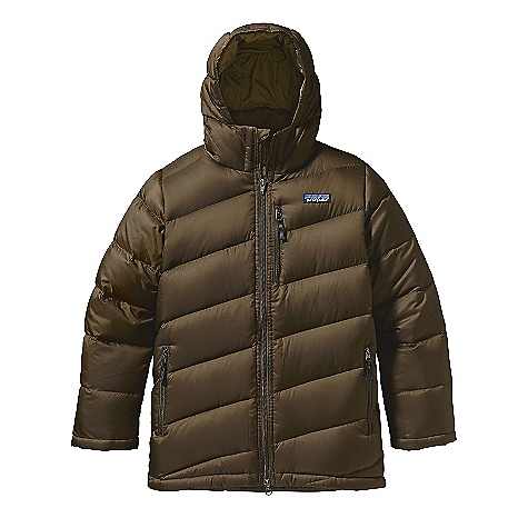 On Sale. Free Shipping. Patagonia Boy's Down Parka DECENT FEATURES of the Patagonia Boys' Down Parka Lightweight recycled polyester shell is windproof and treated with a Deluge DWR finish High-loft 600-fill power premium European goose down is compressible and lightweight Body has diagonal quilting Hood and sleeves have horizontal quilting High collar with zipper garage gives hood a secure fit Internal elastic cuffs with gaiter seals out cold Zippered handwarmers and chest pocket have reflective zipper pulls 2-way full-length zipper Adjustable internal drawcord at hem Below hip length for more coverage and warmth Hand-me-down ID label The SPECS Relaxed fit Weight: 17.1 oz / 484 g Shell: 1.5-oz 32-denier 100% recycled polyester Lining: 2-oz 100% polyester plain weave Both with a Deluge DWR (durable water repellent) finish Insulation: 600-fill-power premium European goose down This product can only be shipped within the United States. Please don't hate us. - $83.99