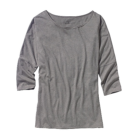 Patagonia Women's 3-4 Sleeve Diviner Top DECENT FEATURES of the Patagonia Women's 3/4 Sleeve Diviner Top Super soft organic cotton and Tencel blend Modern silhouette with 3/4-length sleeves Dropped shoulder seams and scoop neck Hip length The SPECS Regular fit Weight: 5.9 oz / 167 g 4.8-oz 55% organic cotton, 45% Tencel knit This product can only be shipped within the United States. Please don't hate us. - $49.00