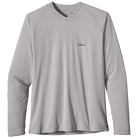Free Shipping. Patagonia Men's Sunshade Shirt DECENT FEATURES of the Patagonia Men's Sunshade Shirt Light, soft and moisture-wicking 30-UPF sun protection fabric has built-in stretch Crossover neck with tall collar for increased coverage Raglan sleeves for comfort under wader and pack straps The SPECS Regular fit Weight: 5.9 oz / 167 g 3.5-oz 100% polyester double knit with moisture-wicking performance This product can only be shipped within the United States. Please don't hate us. - $55.00