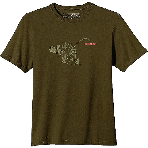 Patagonia Men's Anglerfish T-Shirt DECENT FEATURES of the Patagonia Men's Anglerfish T-Shirt Screen-print inks are PVC- and phthalate-free Taped shoulder seams for comfort 20 singles super soft ringspun organic cotton Artist: Blaine Fontana The SPECS Regular fit Weight: 6.9 oz / 195 g 5.4-oz 100% organic cotton This product can only be shipped within the United States. Please don't hate us. - $35.00