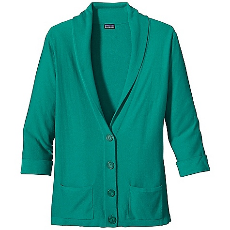 Free Shipping. Patagonia Women's Au Fait Cardigan DECENT FEATURES of the Patagonia Women's Au Fait Cardigan Organic cotton/Lenzing Modal blend in a fine-gauge knit Feminine cardigan with buttoned placket and a shawl collar Delicate drop-in pockets 3/4-length sleeves with cuffs Hip length The SPECS Regular fit 14-gauge 70% organic cotton, 30% Lenzing Modal This product can only be shipped within the United States. Please don't hate us. - $89.00