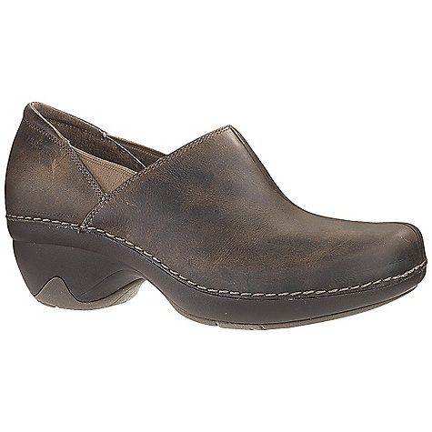 On Sale. Free Shipping. Patagonia Footwear Women's Better Clog DECENT FEATURES of the Patagonia Women's Better Clog Full grain leather upper Glove-like pigskin linings for comfort and durability Latex footbed with glove-like pigskin linings for comfort and durability Light-weight, high-abrasion resistant PU midsole in.Glide Rightin. platform: heel strike and toe spring combine for a comfortable and smooth heel-to-toe transition 20% recycled rubber outsole for traction and durability rubber extends on the lateral and medial sides of the heel for additional stability Heel height: 3.5 cm / 1.4 inches (Italian way: heel axis, about middle of heel at top, to bottom of sole) Construction: Sidewall stitched Last characteristics: medium width, medium toe box, medium arch support The SPECS Weight: 1/2 pair: 11 oz Better Leather Firm Support/flex Hevea Natural Latex Recycled Rubber - $106.99