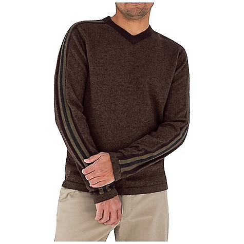 Fitness Free Shipping. Royal Robbins Men's Clagstone V-Neck Top DECENT FEATURES of the Royal Robbins Men's Clagstone V-Neck Top Slight contrast stripes running down shoulder sleeves Straight hem The SPECS Contemporary fit Fabric: Hera Yarn - $69.95
