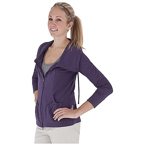 Entertainment Free Shipping. Royal Robbins Women's Essential Traveler Cardigan DECENT FEATURES of the Royal Robbins Women's Essential Traveler Cardigan Hidden zip secured pocket Full front zip with full collar and inside draw cord Contrast color at yoke The SPECS Regular fit Hip length Fabric: Stretch Jersey 5 g 88% Cotton / 12% Polyester Garment washed UPF 50+ - $74.95