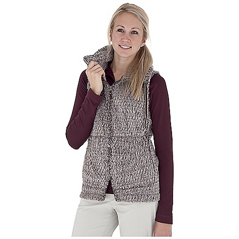 Entertainment Free Shipping. Royal Robbins Women's Foxtail Fleece Vest DECENT FEATURES of the Royal Robbins Women's Foxtail Fleece Vest Zip through collar with velvet twill ties Two-way zipper Zip secured pocket Drop in hand warmer pocket Back waist adjustment The SPECS Natural fit Fabric: Foxtail Fleece Length: 26in. - $89.95