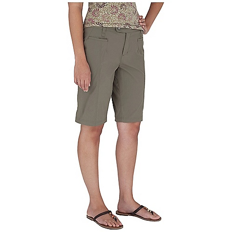 Entertainment Royal Robbins Women's Discovery Bermuda Short DECENT FEATURES of the Royal Robbins Women's Discovery Bermuda Short Logo snap at front closure Dri X-treme mesh inside waistband Mesh lined pockets Security button at interior fly Back zip secured pockets Dyed to match topstitching The SPECS Regular fit Contemporary rise Inseam: 12in. Fabric: Discovery Stretch Nylon 5 oz 96% Nylon / 4% Spandex UPF 50+ - $47.95