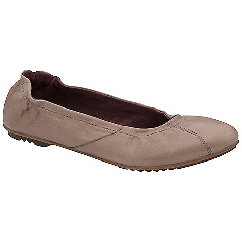 Skateboard On Sale. Free Shipping. Sorel Women's Skimmer Shoe DECENT FEATURES of the Sorel Women's Skimmer Shoe Buttery soft leather upper in a variety of colors Smooth leather lining and footbed Leather sole with rubber outsole pods The SPECS Weight: 6 oz / 170.1 g - $73.99