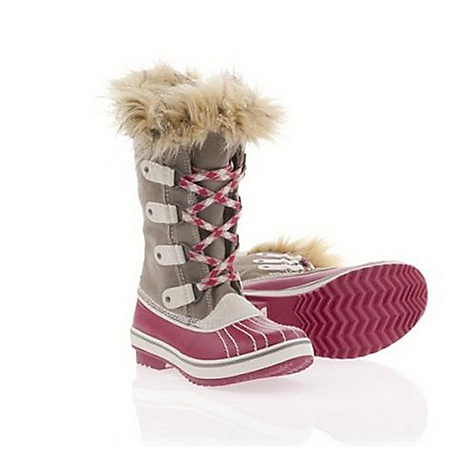 On Sale. Free Shipping. Sorel Youth Tofino Boot DECENT FEATURES of the Sorel Youth Tofino Boot Waterproof waxed canvas upper Sherpa Pile lining Leather shell Faux fur collar Molded rubber outsole inspired by the classic 1964 Pac boot offers excellent traction - $60.99