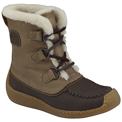 On Sale. Free Shipping. Sorel Women's Chugalug DECENT FEATURES of the Sorel Women's Chugalug Full grain leather upper Faux fur lining Removable foot bed Crepe-like clear rubber outsole The SPECS Weight: 21.2 oz / 600 g Shaft Height: 8in. / 20 cm - $148.99