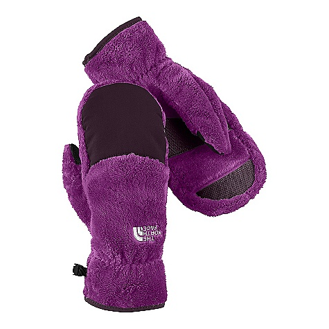 On Sale. The North Face Women's Denali Thermal Mitt DECENT FEATURES of The North Face Women's Denali Thermal Mitt Women-specific 5 Dimensional Fit ensures consistent sizing Radiametric Articulation keeps hands in their natural relaxed position Nylon Taslan over knuckles and fingers for added durability Synthetic gripper palm for added grip Elastic wrists seal out the cold The SPECS Shell: 100% polyester high-loft fleece with nylon Taslan overlay Palm: Polyurethane (PU) gripper This product can only be shipped within the United States. Please don't hate us. - $23.99