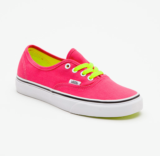 Entertainment Pop Lace Authentic - Virtual Pink http://ow.ly/fssdU