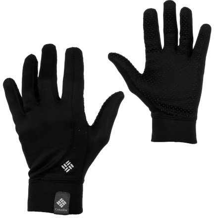 Skateboard A sunny day on the skate track calls for the Columbia Women's Hit The Trail Glove. Stretchy and warm, these gloves offer light protection during your high-output activities. - $23.97