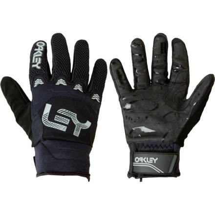 Camp and Hike Show up to a spring park session or hike the pipe with the locals in those over-insulated gauntlet gloves and see how well you're received. OR you can get the low-profile Oakley Heritage Pipe Glove and at least pretend to fit in. - $27.30