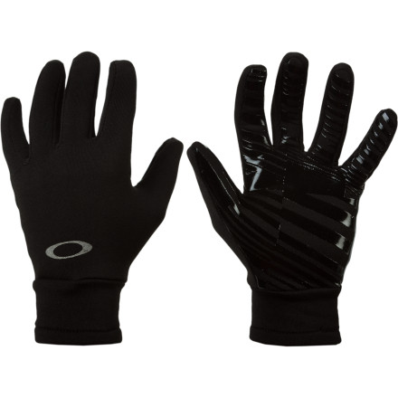 Oakley's Midweight Fleece Glove serves as the perfect liner glove when you head out to shred, and you can wear this glove alone when you're walking the streets on a cold day. Fleece dries quickly and provides all the warmth you need... just be sure to wear a weatherproof shell over this glove when truly nasty weather strikes. - $25.00