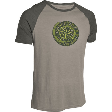 With the prAna Nautilus Heathered Raglan T-Shirt hung over your shoulders, the nearest backyard barbecue is always right around the corner. - $17.48