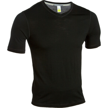 The Smartwool Mens Microweight V-Neck utilizes the moisture-wicking, odor-resisting qualities of merino wool along with flatlock seam construction to ensure you stay comfortable on the trails. - $45.47