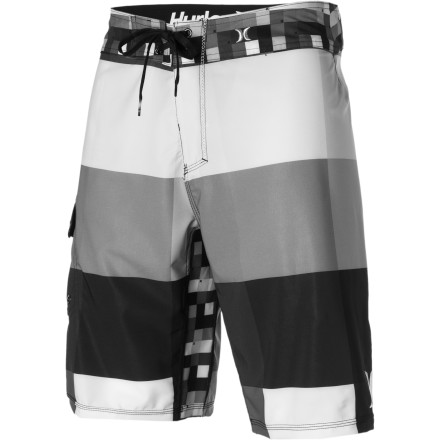 Surf Hurley offers dudes a whole new level of performance combined with comfort in the Phantom 60 Kings Road Board Short. Nike Flywire technology in the waist utilizes a lightweight support system of tensile fibers and high-strength threads that locks the garment to your body. Don this Hurley short and it wont end up around your ass or restrict your quick movements when you jump up for a super-glassy barrel, and this Hurley-Nike collaboration ensures improved comfort with no chafing. - $64.95