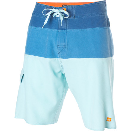 Surf Bust down the proverbial iron bars of society and make for the waves in your Quiksilver Jail Break 2 Board Short. An improvement on a classic design, this all-business board short is as eager as you are to rip some whitecaps. - $42.25
