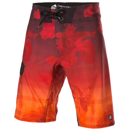 Surf After one too many indecent exposure charges, it may be wiser to wear the Reef Hibiscus Playground Board Short when you poach neighbors' pools. - $33.98
