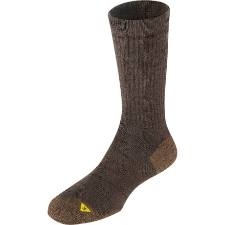Camp and Hike Before lacing up your boots and starting up the trail, pull on a pair of KEEN Men's North Country Medium Crew Socks. The soft merino wool blend is itch-free and sustainable, and it wicks away moisture to help keep your feet dry. Contour arch supports and Impact cushioning keep your feet comfortable and happy so each step you take in the great outdoors feels like a pleasure instead of a pain. - $17.95