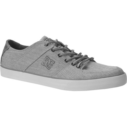 Skateboard The DC Pure Zero TX SE Skate Shoe offers slimmed-down style that feels good enough to skate in, and looks good enough to wear while taking your lady out to dinner. - $33.00