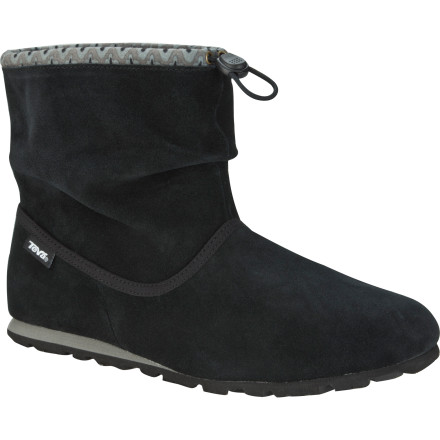 Surf With the feather-like weight of a flip-flop with the coverage of a boot, the Teva Women's Mush Atoll Ankle Boot is the epitome of fancy-free. As it slouches around your ankle exuding style and attitude, you'll find yourself skipping along without a worry in the world. - $41.97