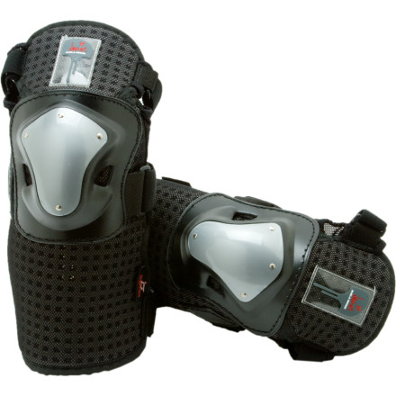 Ski Piss off your doctor by slipping into the Demon Deluxe shin and knee guard. You saw his face light up when you told him you'd be spending a lot more time in the terrain park. He didn't care about your riding, he figured you'd be paying for his daughter's braces. The Deluxe Shin and Knee Guards feature hard ABS shells and Air Shield foam padding to reduce weight and medical bills. - $29.96