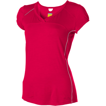 Fitness When you're styled out and relaxing in your Icebreaker Women's GT 150 Rush V-Neck Top, nobody needs to know that just this morning you rocked a hike in the same shirt. Merino wool naturally resists odor, so this fun and functional top goes with you through every step of your day (whether on a snowy trail or in a coffee shop). A flattering fit means it stays comfortable under a layer or when worn solo. - $39.98
