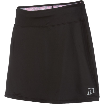 Fitness Movable comfort, pockets so you don't have to stash your keys in a corner, and great looks make the Skirt Sport Twilight Gym Ultra Skirt a workout favorite. Semi-compression undershorts give you stimulating support and optimal mobility with secure coverage. Add some femme to your fun. - $35.72